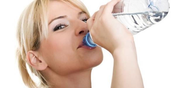 فوائد شرب الماء بكثرة للتخسيس