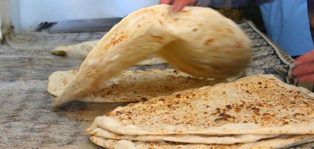 طريقة الخبز العربي على الصاج