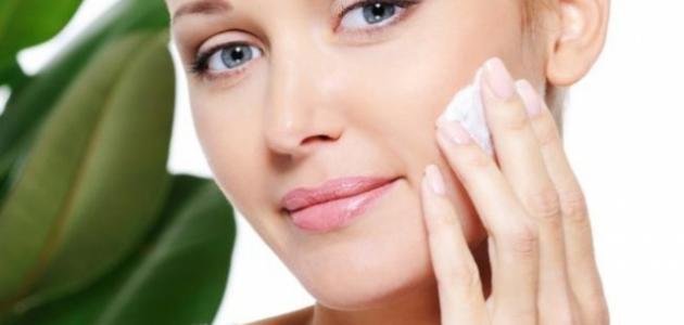 طريقة تنظيف بشرة الوجه