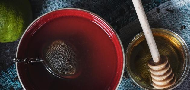 فوائد شرب العسل مع الماء للبشرة