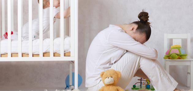 اكتئاب ما بعد الولادة وعلاجه