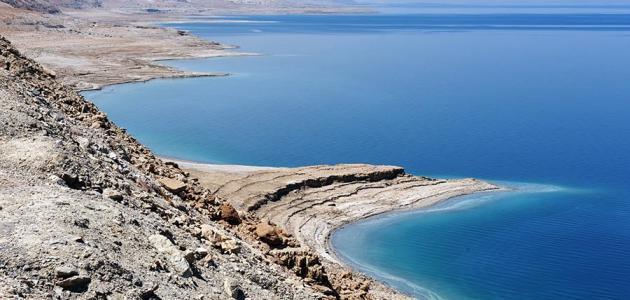 أين يوجد البحر الميت
