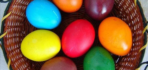 طريقة تلوين البيض بألوان طبيعية موضوع