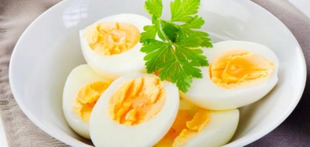 كيف أحضر بيضاً مسلوقاً