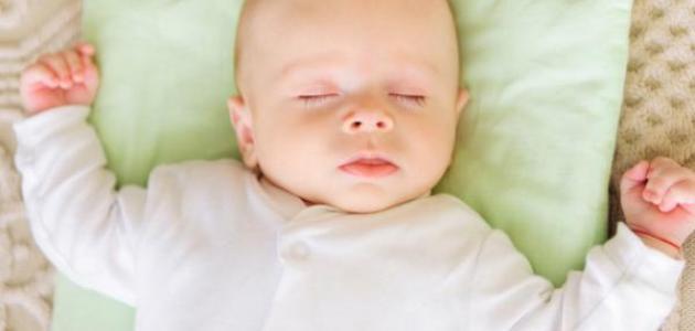 طريقة تنويم الطفل الرضيع