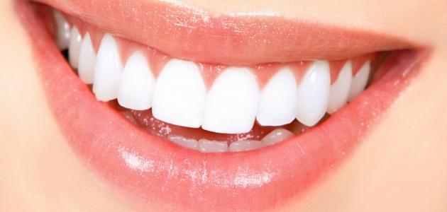 كيف يمكن تبييض الأسنان