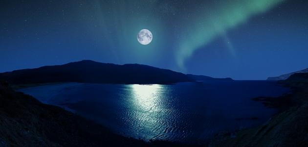 كلمات جميلة عن القمر