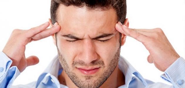 أعراض الصداع العنقودي