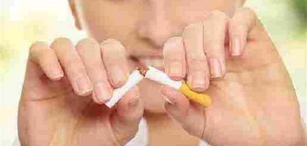 أساعد زوجي التدخين