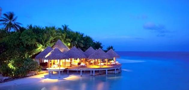 أين تقع جزر المالديف في أي قارة