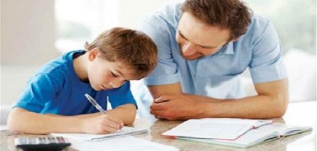 كيف تعلم طفلك القراءة والكتابة السليمة