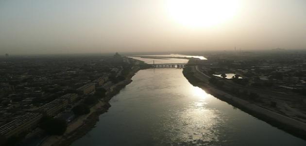 أين يصب نهر دجلة