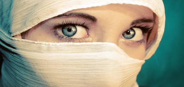 تفسير نظرات العيون