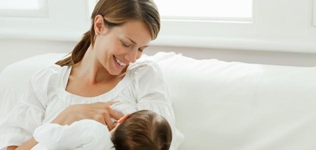 كيف أعود طفلي على الرضاعة الطبيعية