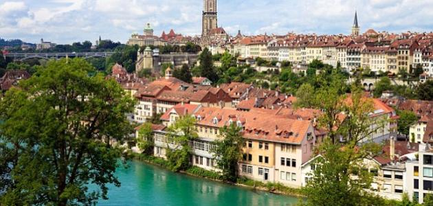 أين تقع سويسرا في أي قارة