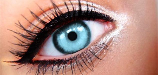 كيف أكبر عيوني بالكحل