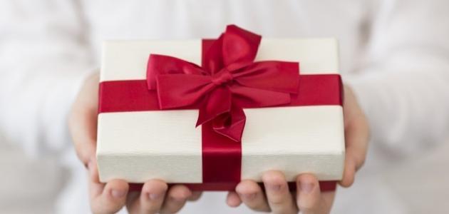 كيف أقدم هدية لزوجي