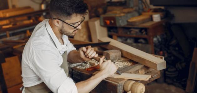 طريقة الحفر على الخشب