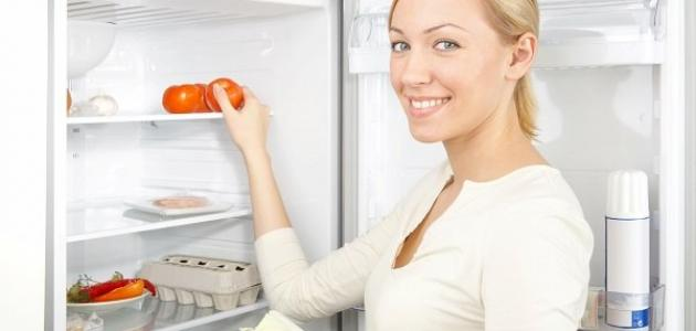كيف أتخلص من رائحة الثلاجة الكريهة