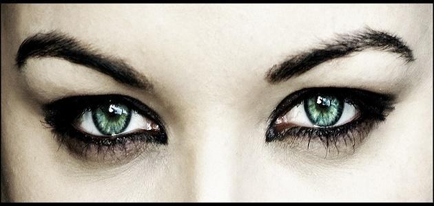 كيف أعرف شخصيتي من لون عيوني