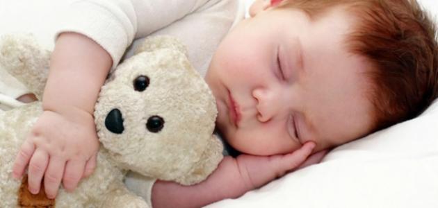 كيف ينام الطفل بسرعة
