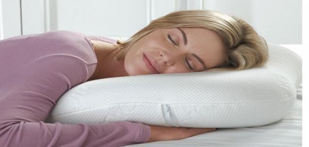 أضرار النوم على البطن للحامل