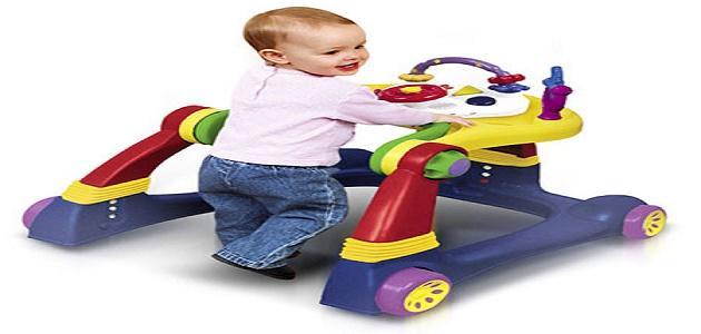 كيف نساعد الطفل على المشي