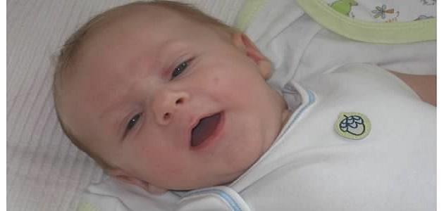 كيف أتعامل مع طفلي في الشهر الأول