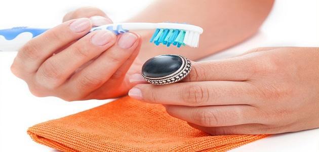 كيف أنظف خاتم الفضة