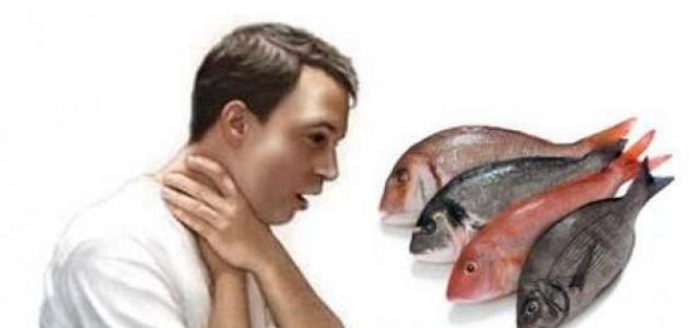 كيف أزيل شوك السمك من الحلق