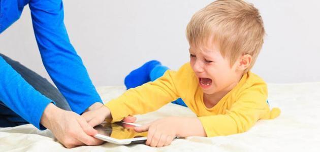 كيف تعامل طفلك العنيد