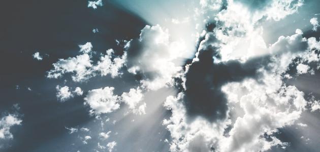 كيف خلق الله الملائكة