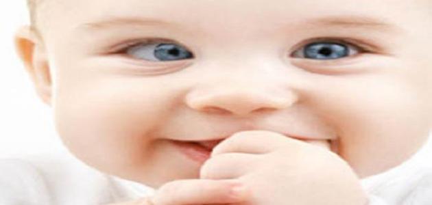 العينين الأطفال الرضع