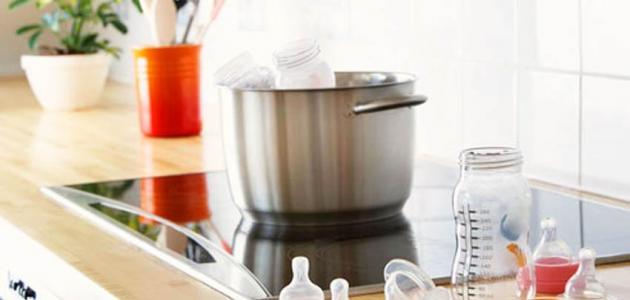 طريقة تنظيف الرضاعة البلاستيك