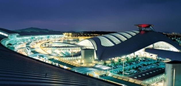 أين يقع أكبر مطار في العالم من حيث المساحة