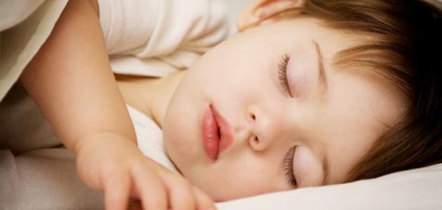 كيف تنظمين نوم طفلك الرضيع