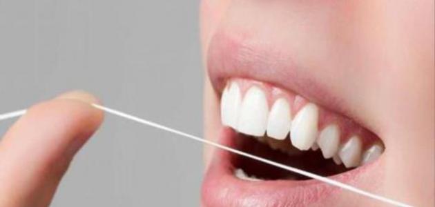 طريقة سهلة للتخلص من رائحة الفم الكريهة