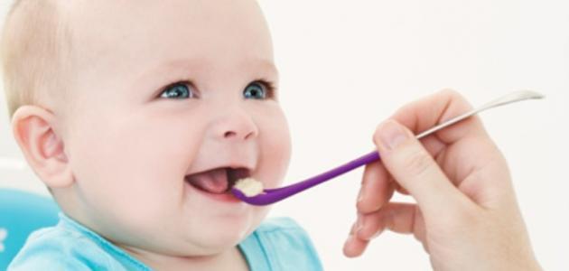 كيف أجعل طفلي يحب الأكل