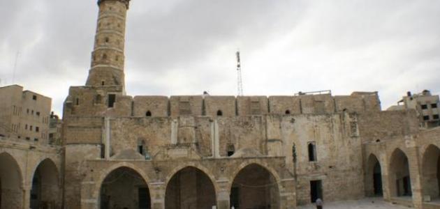 أين يوجد المسجد العمري الكبير