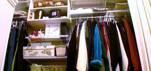 كيف أرتب الملابس في الخزانة