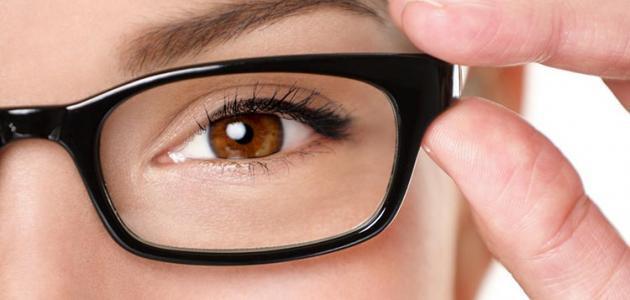 كيف يحدث ضعف النظر
