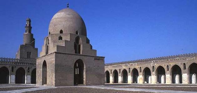 أين يقع مسجد أحمد بن طولون