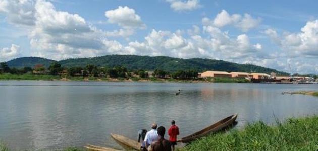 أين يصب نهر النيجر