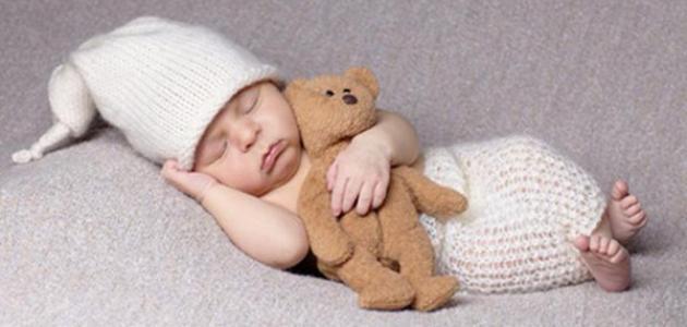 كيف نجعل الطفل الرضيع ينام ليلا
