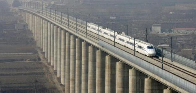 أين توجد أطول سكة حديد في العالم