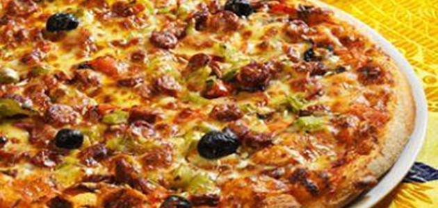 طريقة عمل البيتزا على الطريقة العراقية