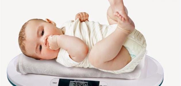 كيف أعرف أن وزن طفلي طبيعي