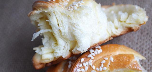 طريقة خبز محشي بالجبن