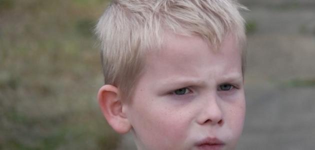 كيفية معاملة الطفل العنيد
