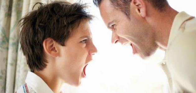 كيف تعامل ابنك المراهق